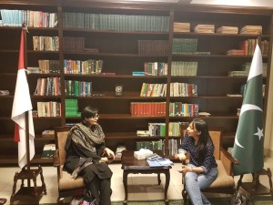 Dr. Sania Nishtar speaking to journalists in the Pakistan Embassy in Jakarta about her WHO Director General election campaign_ 2017